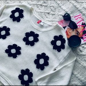 H&M DIVIDED Flower Sweater Sz M
